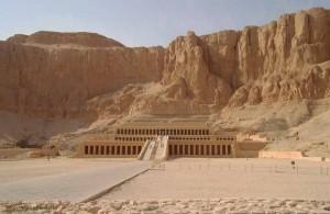 Луксор, Храм древнеегипетской царицы Хатшепсут в Египте