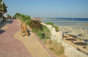 променад вдоль отелей, Melia Sinai 5*, Melia Sharm, Coral Beach Montazah Rotana Resort, Baron Resort, Baron Palms Resort, Coral Sea Sensatori Resort