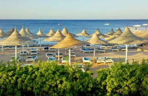 отель Melia Sinai 5*, пляж, море, пластиковые лежаки, Шарм Эль Шейх, отдых в Египте, Egypt