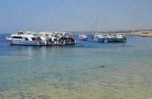 катера дайверов, коралловый риф, бухта Ras Nasrani, отель Melia Sinai, отзыв об отдыхе, курорт Шарм Эль Шейх, Египет,
