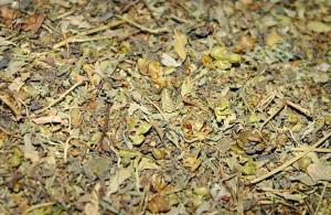 Бедуинский чай, характерный слегка мятный запах с прохладным вкусом, Синай, благотворно влияет на нервную систему, снимает боли в горле и желудке