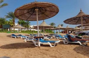 отель Мелиа Синай, зонтики, лежаки, отзыв об отдыхе, курорт Шарм, Египет, впечатления