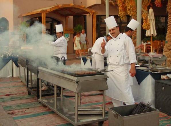 Небольшой обман туристов в арабском ресторане. Реальный Египет